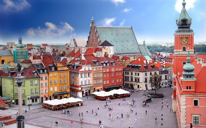 Blick auf das Warschauer Königsschloss © Monika Gniot / shutterstock.com