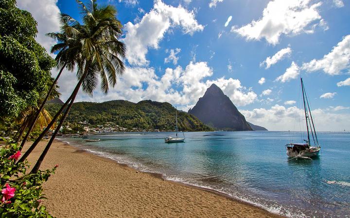 Blick auf die Küste von St. Lucia © Marc Turcan / Shutterstock.com