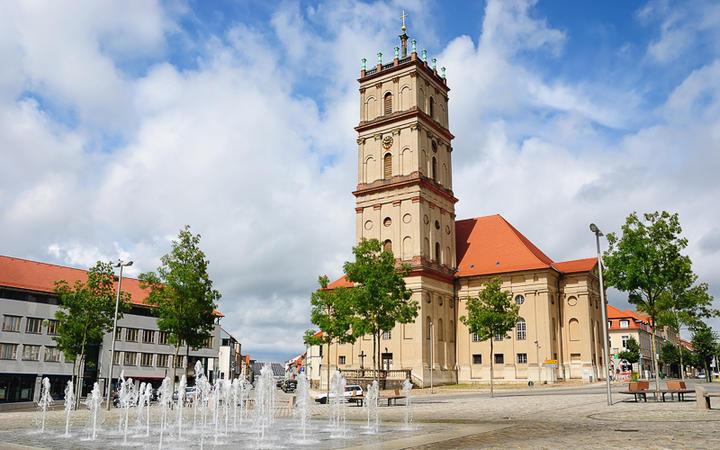 Marktplatz in Neustrelitz © VVO / shutterstock.com