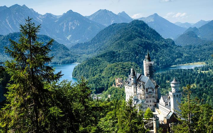 Schloss Neuschwanstein © Lukasz Miegoc / shutterstock.com