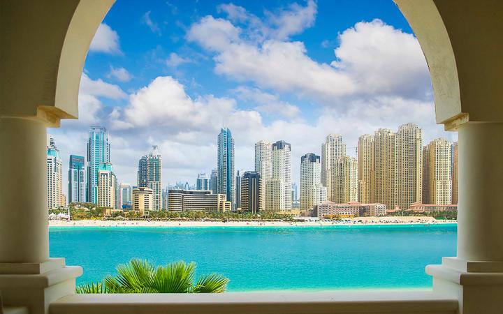 Dubai city, view from villa © artiomp / Shutterstock.com