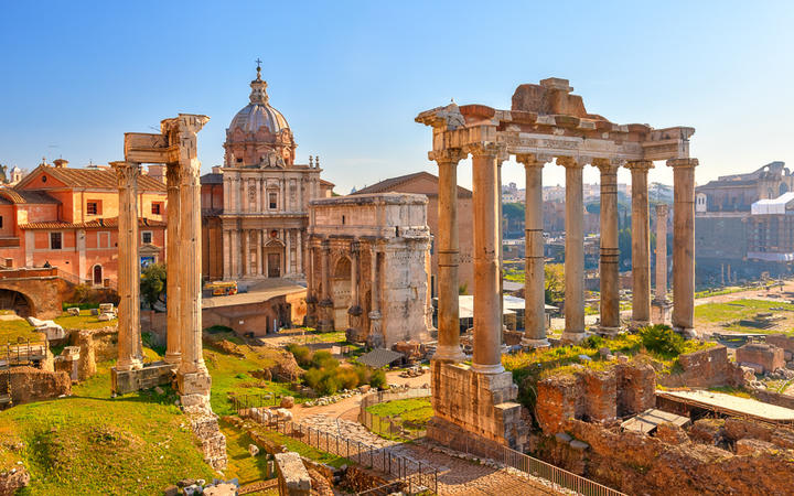 Die antiken Reste des Forum Romanums © S.Borisov / Shutterstock.com