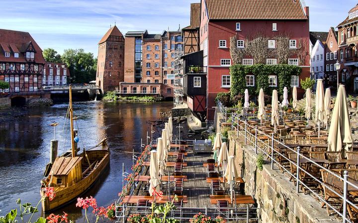 Historisches Zentrum Lüneburg © Adrian Zenz / shutterstock.com